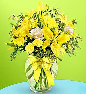 Bouquet con cinta amarilla de FTD®