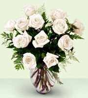 Bouquet blanco de rosas Enchanting ™ de FTD®